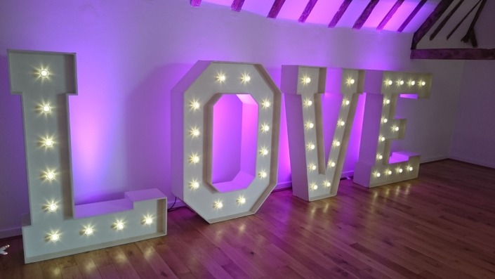 5ft Light up LOVE letter hire at skylarks hampshire
