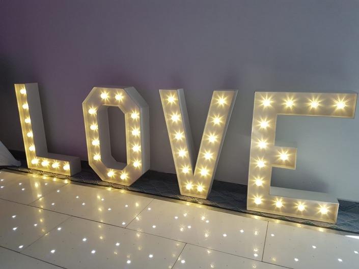 langston hotel 4ft love white led dancefloor 1